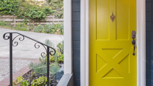 5 Ways to Keep Your Entryway Clear and Welcoming